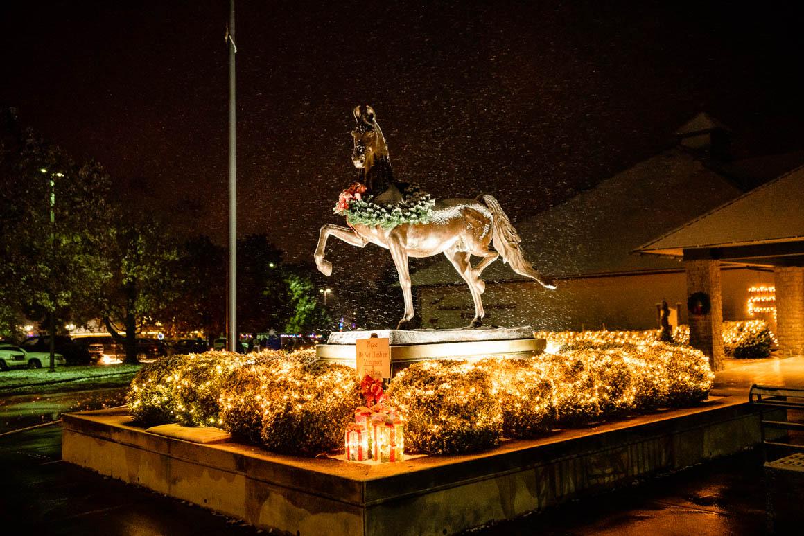 saddlebred statue